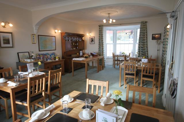 cliff house dining room | cliffhousebbsaundersfoot Dining Room of Cliff House Guest ...