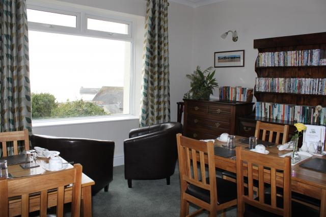 cliffhousebbsaundersfoot dining room of cliff house guest
